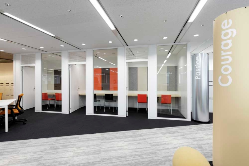 Tokyo-Office-Echo-Panel-01